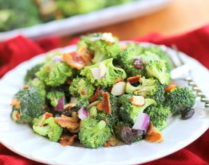 Very Best Broccoli Salad | RecipeLion.com