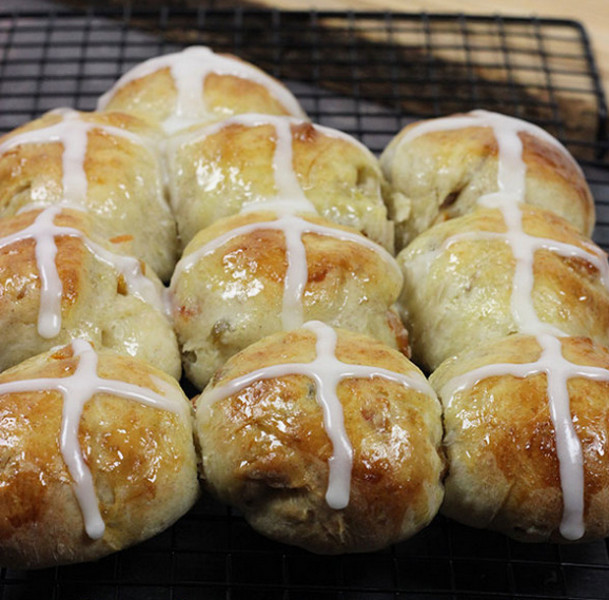 Easy Hot Crossed Buns Recipe